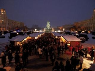 Bécs, Adventi vásár Mária Terézia Tér